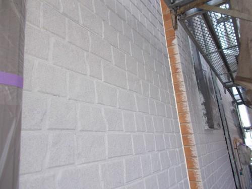 下塗り塗装が済んだ外壁