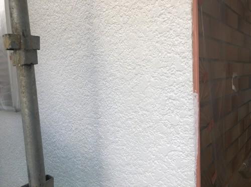 下塗りを終えた外壁面