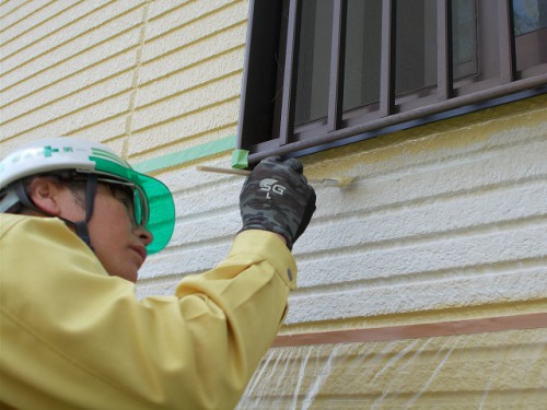 最後に外壁と同じ色を塗装