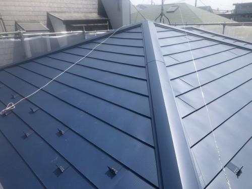 新しく葺かれたガルテクト屋根