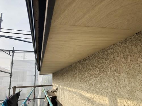 増し貼りされた軒天井