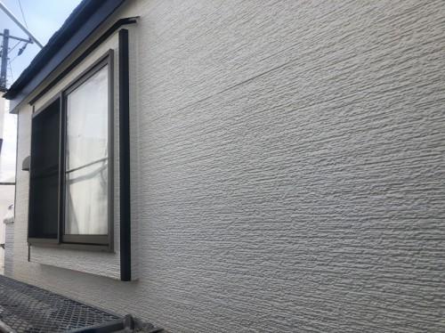 外壁塗装は2階廻りが完成しています