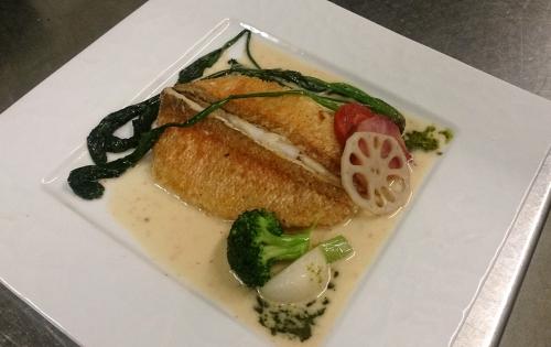ディナーのアラカルトより本日の魚料理