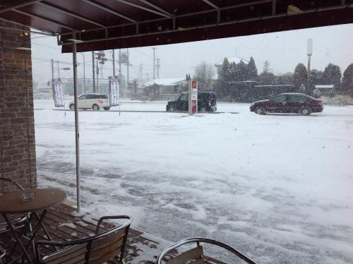 大雪でも、メガネ・サングラスのオプティカルワークスは営業中!