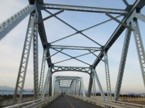 上武大橋、新しい橋の工事が着々と進んでます…。