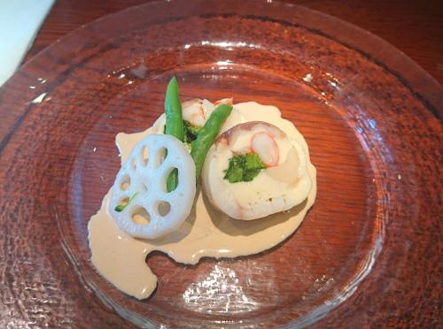 桜鯛・ホタテ・海老のメダイヨン、オマールソース