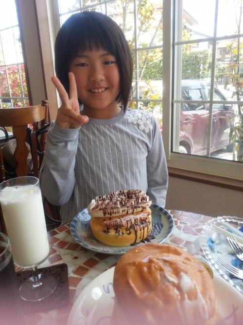 パンケーキでお腹もパンパン。