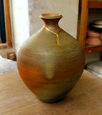 陶芸教室 東京国立けんぼう窯 備前の徳利の金継ぎ完了