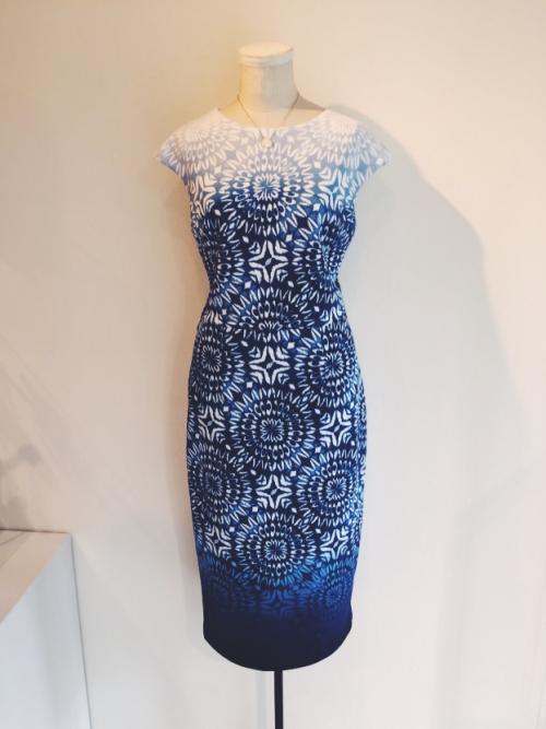 マギーロンドンの美しいドレス