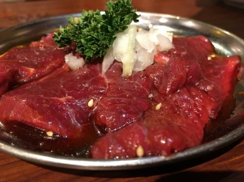 肉を喰いたきゃうちにこいっ!!超ロース赤身肉【カメノコ40】