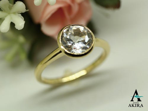 お母様から頂いた石を使いK18にて指輪のオーダーです