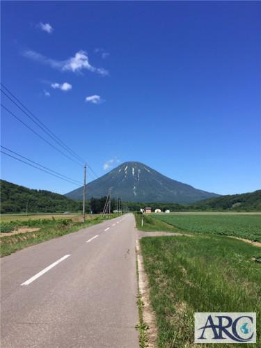 快晴の羊蹄山!北海道らしい最高の景色ですね☆