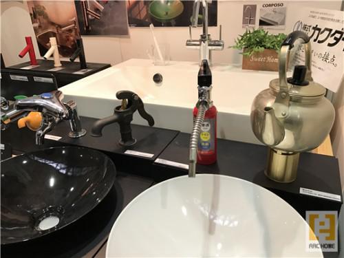 遊びゴコロ満載♪おもしろ水栓で新築注文住宅造作洗面づくりも♪