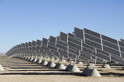 世界の太陽光発電。設置方法も様々です。