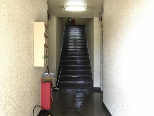 ☆☆東京都 立川市 アパート共用部廊下高圧洗浄☆