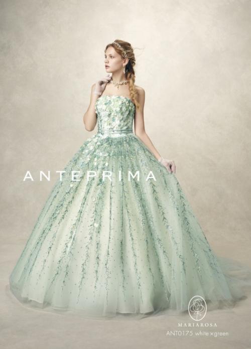 東京で人気のボタニカルウェディングをアンテプリマドレスで