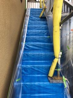 本日は鶴ヶ島市にて養生工事を致しました