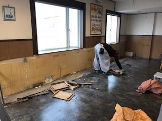 本日は川越市で店舗解体工事を致しました