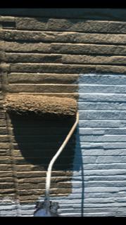 入間市にてサイディングの中塗りを施工致しました