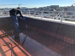 鶴ヶ島市でルーフバルコニーの高圧洗浄をしてきました