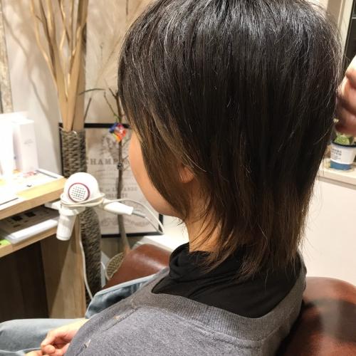 最近ブーム髪型ウルフヘアスタイル調布美容院