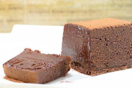 贅沢なチョコレートケーキ「テリーヌ・ショコラ」