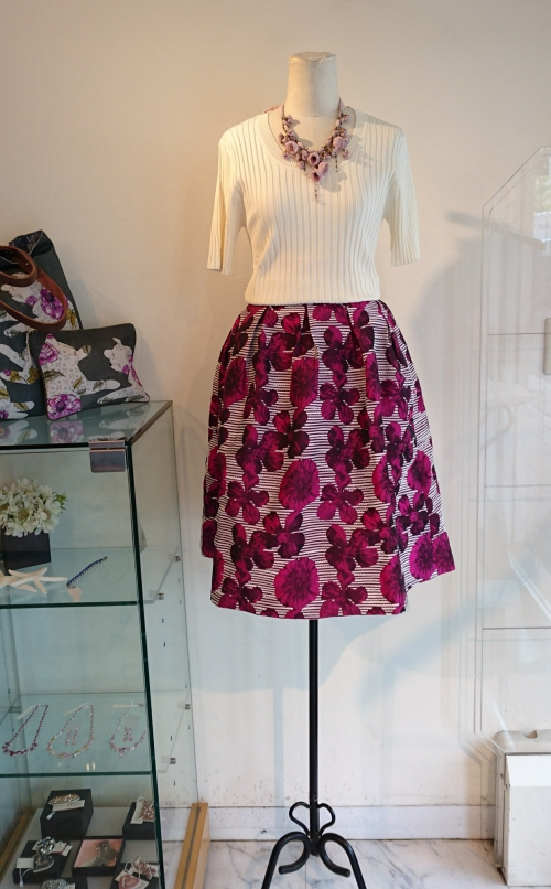 オリジナルブランドスカート