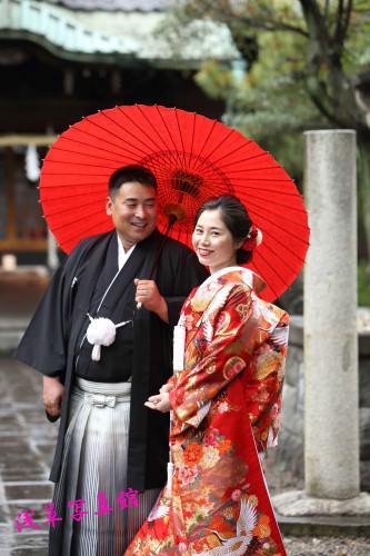 新緑の中で和装結婚写真が美しい!