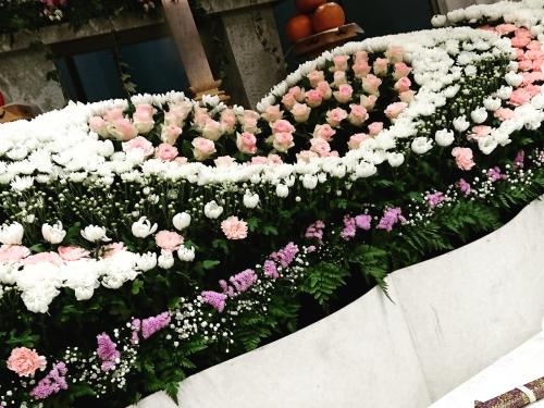 ハート型の花祭壇