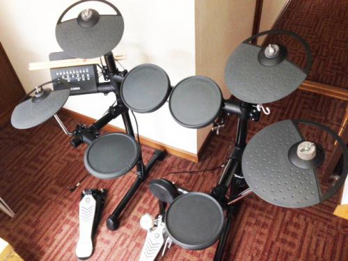札幌市内のお客様より電子ドラムを買わせて頂きました。