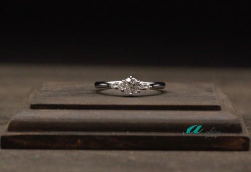 市原市から婚約指輪と結婚指輪の御納品でした