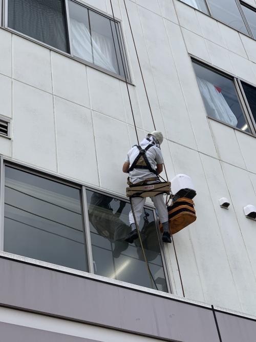 江戸川区でALC外壁の雨漏り対策工事を実施しています!