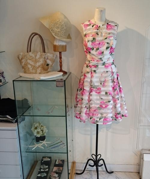 LIPSYフューシャピンク花柄ワンピース