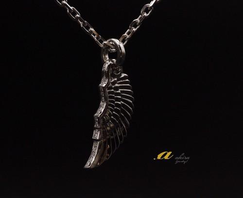 メンズジュエリー翼のペンダントネックレスのオーダーメイド