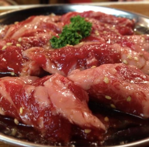 肉を食べると幸せになる説!炭火焼き一番旨い説!