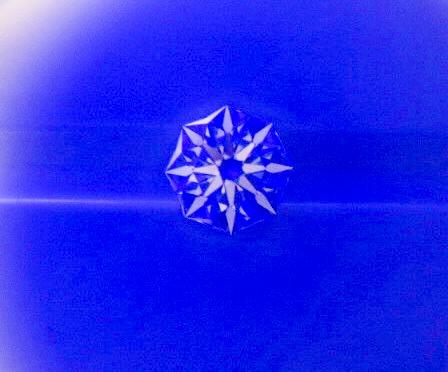 スペシャルカットのダイヤモンド入荷