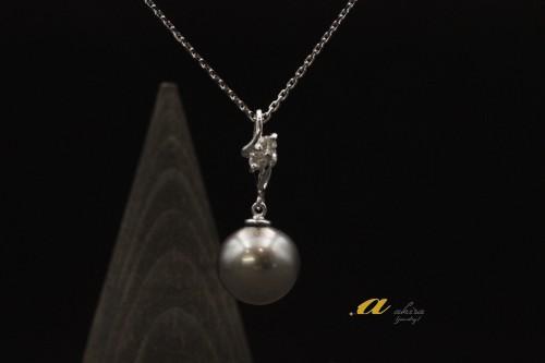 黒真珠の指輪をペンダントにリフォーム