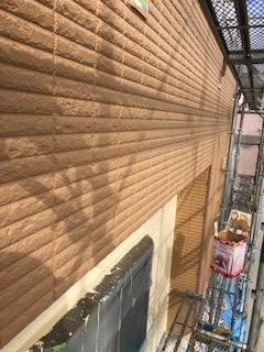 日高市でALCパワーボード中塗り塗装工事を施工しました