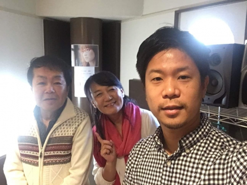 手前から、鷄内裕久さん、紫子先生、劉学長