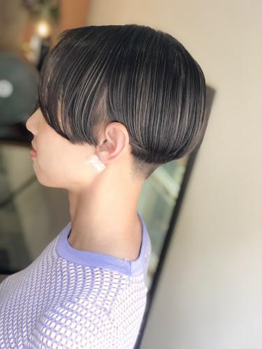 ショートヘア 刈り上げ女子 モード 代官山美容室