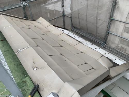文京区水道で金属屋根の改修工事を実施しました!