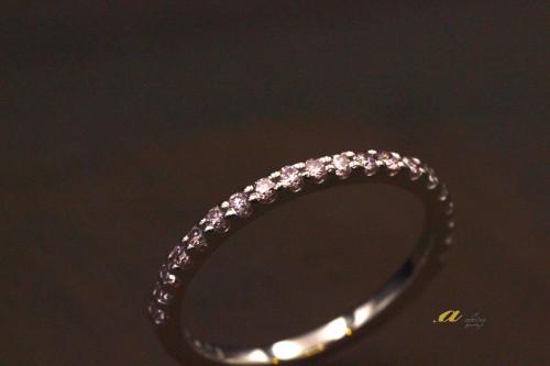 憧れのピンクダイヤでエタ二ティリングのサプライズプレゼント