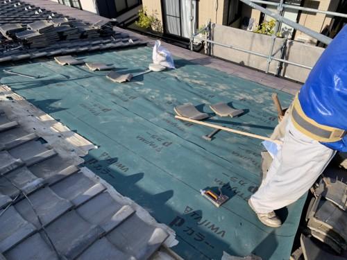 豊島区で瓦屋根の二次防水層の更新を実施しました!