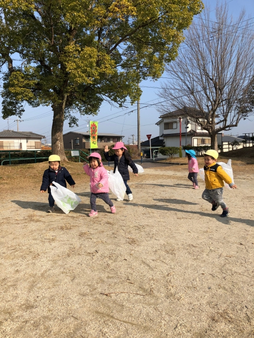 凧揚げ楽しい〜!いっぱい走ったねー!