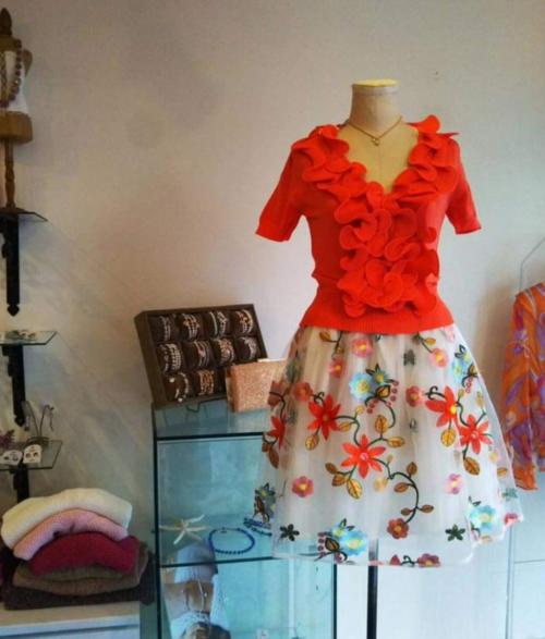 Wish春の新作 刺繍のスカート