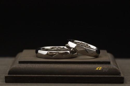 結婚25周年(銀婚式)の記念にオーダーでの結婚指輪