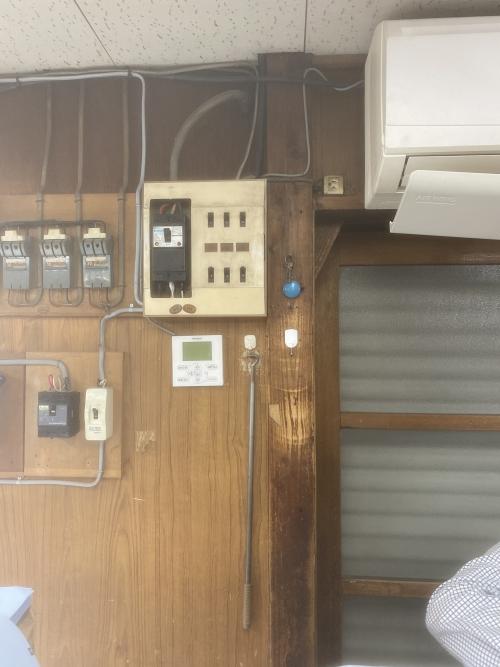 東京都荒川区東尾久 ブレーカーの交換