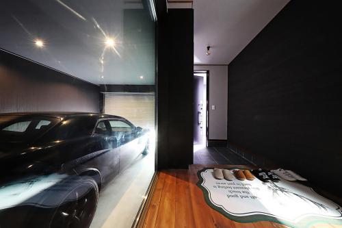愛車とともにに暮らす家。茅ヶ崎で建てるガレージハウス。