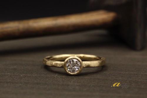 九十九里町からお越しのお客様婚約指輪の御納品をいたしました
