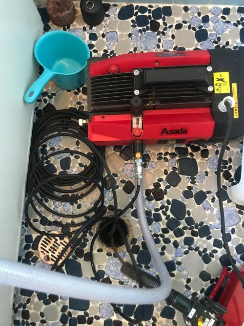 さいたま市にて高圧洗浄・電動トーラー作業実施。